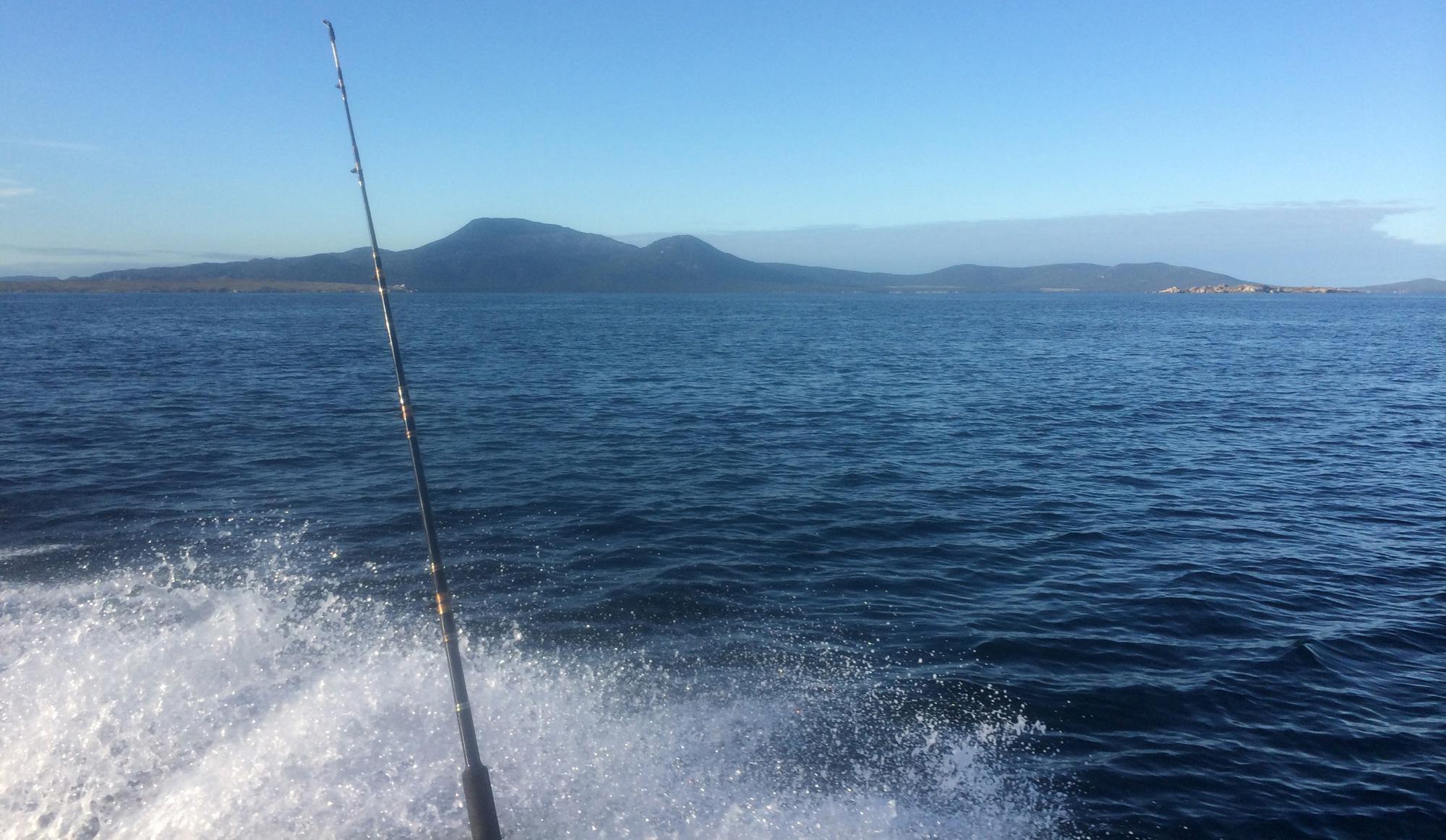 0569ontheboatfishing2a